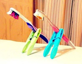 Tooth brushes, Folsom Dental Group